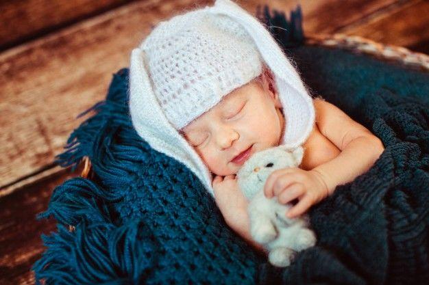 1. Penyebab bayi berkeringat saat tidur