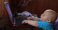 1. Jauhi anak dari layar elektronik