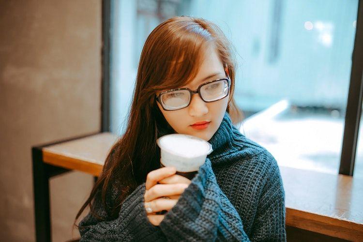 2. Sakit kepala kalau belum minum kopi