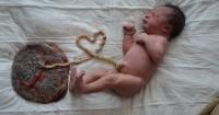 Kenali Manfaat Risiko Lotus Birth Bayi