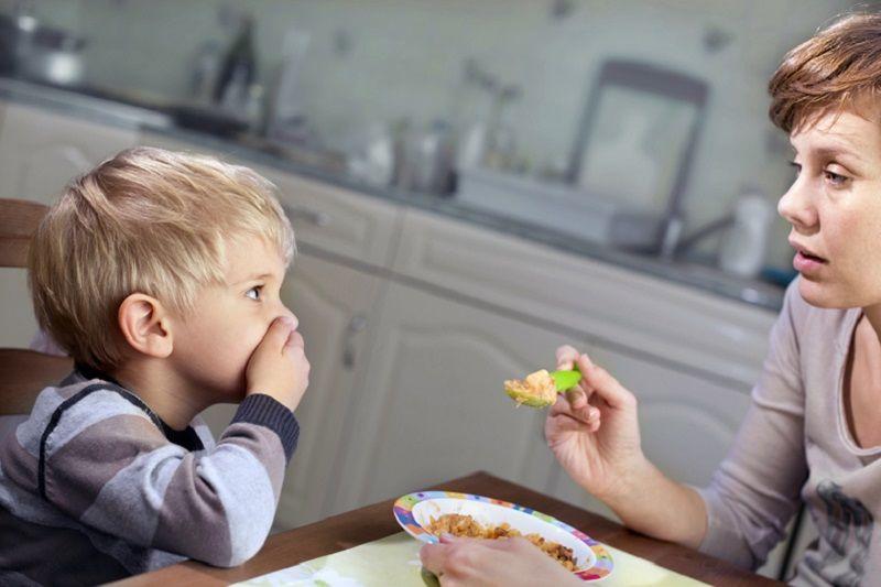 1. Anak suka pilih-pilih makanan