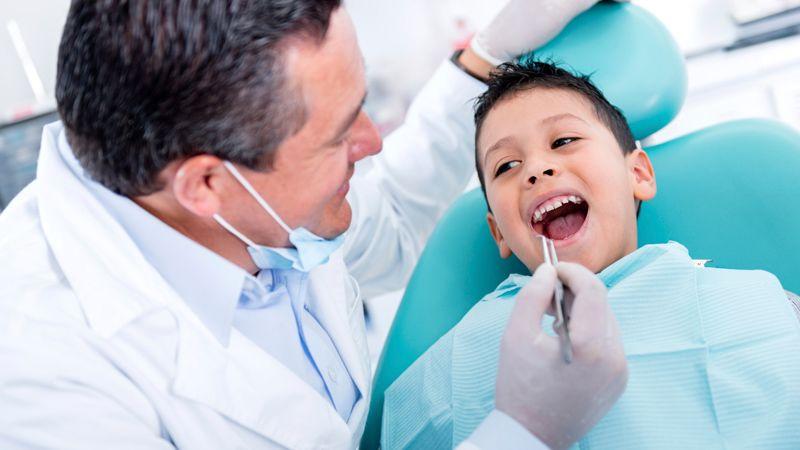 Cara Membuat Anak tak Takut Berkunjung Ke Dokter Gigi