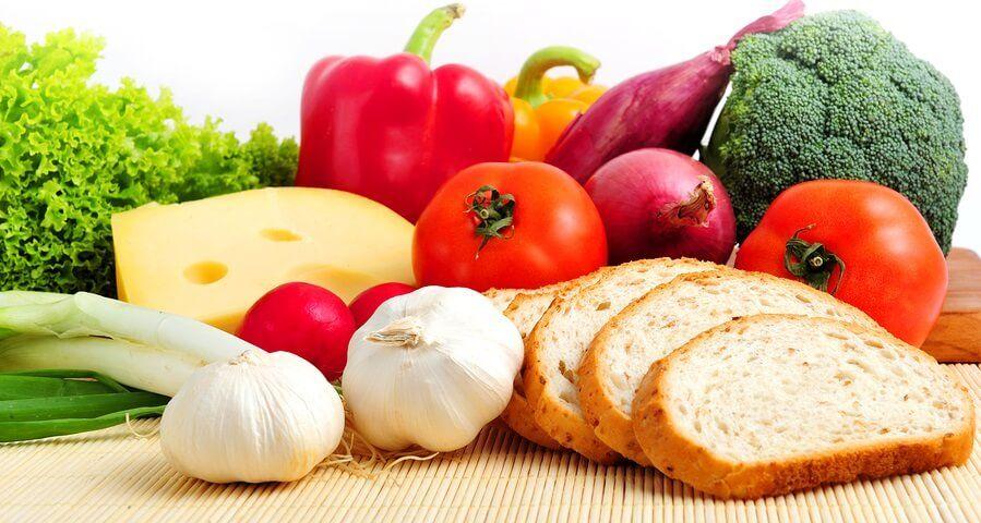 2. Makanan sehat dikonsumsi