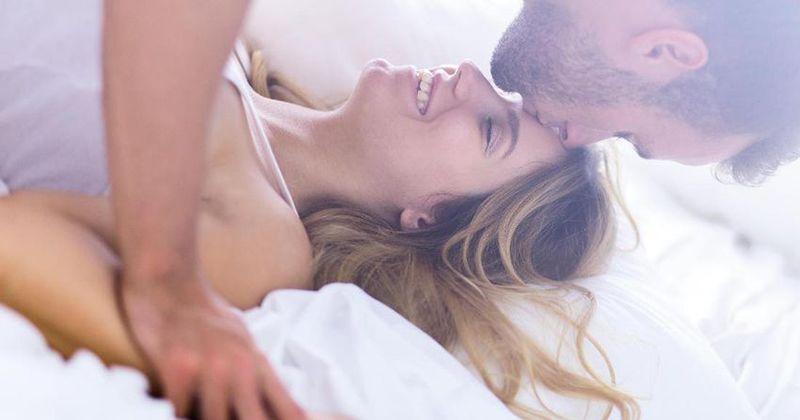 5 Rekomendasi Posisi Seks Aman saat Hamil