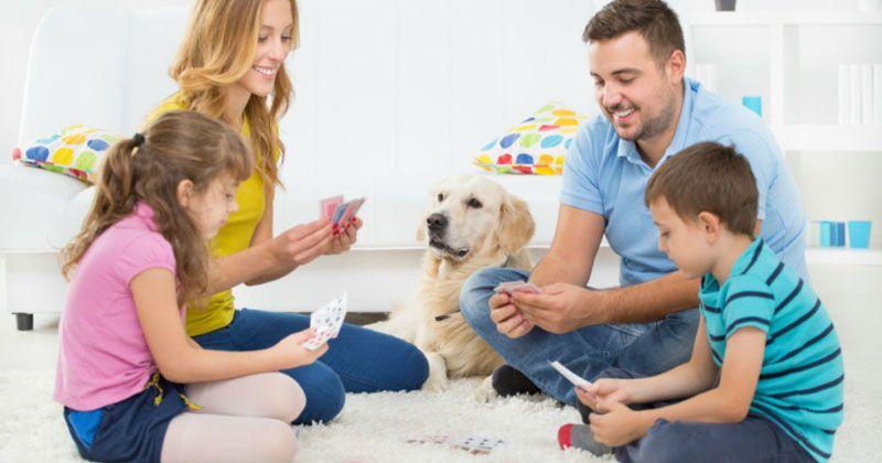 5. Mama papa adalah 'mainan' terbaik bagi si Kecil