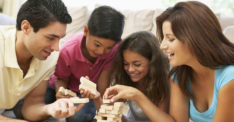5 Tips Memilih Mainan Berguna Anak