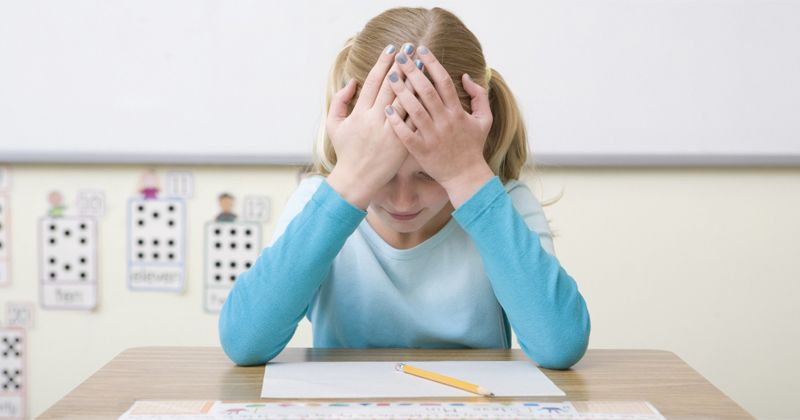 4. Membuat anak penuh tekanan