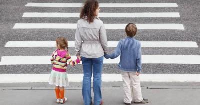 5 Alasan Mama Harus Ajarkan Tata Tertib Lalu Lintas Anak