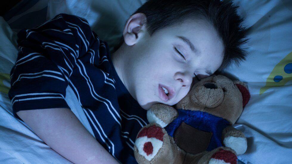Agar Anak Mau Tidur Sendiri