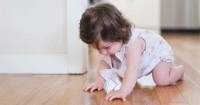 Jangan Sampai Salah Ini, Cara Mengecek Perkembangan Motorik Bayi