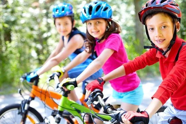 7. Akrab lingkungan si Anak