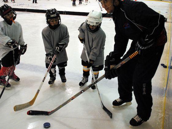 5. Olahraga Es