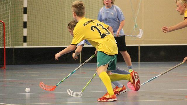 10. Floorball