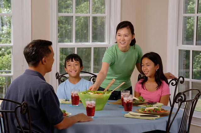 2.Prioritaskan waktu makan bersama