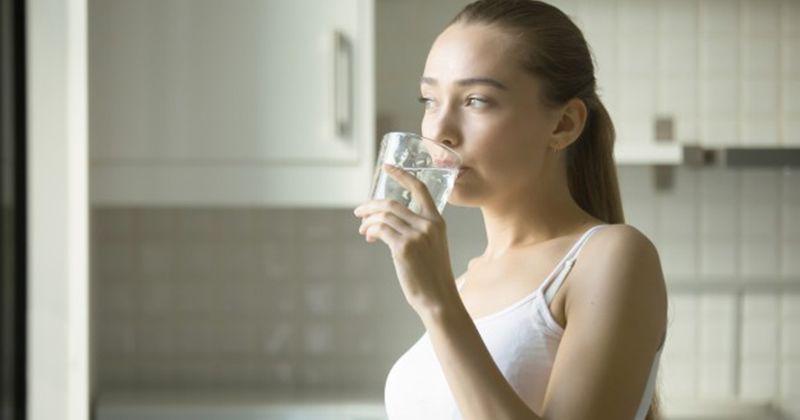 3. Konsumsi makanan sehat usahakan tetap terhidrasi