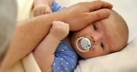 3 Cara Jitu Mengatasi Flu Bayi