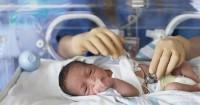 Alasan Mama Harus Rela Pisah Bayi Prematur Butuh Inkubator