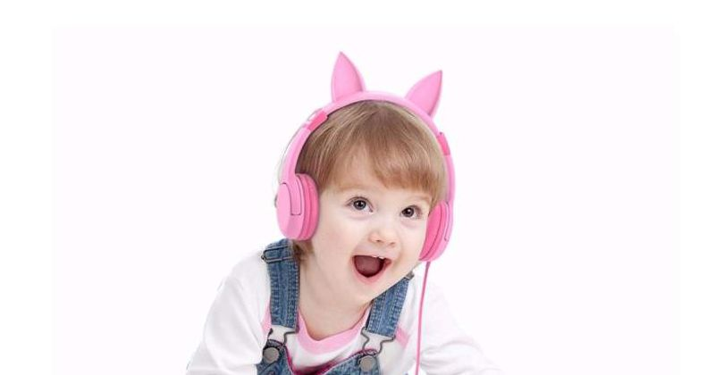 3. Gunakan headphone