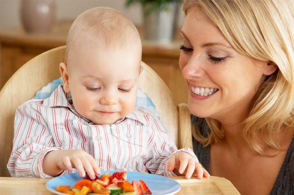 Finger food sangat baik perkembangan motorik anak