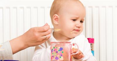 Jangan Stres Dulu, Lakukan 5 Hal Ini Jika Bayi Menolak Makan