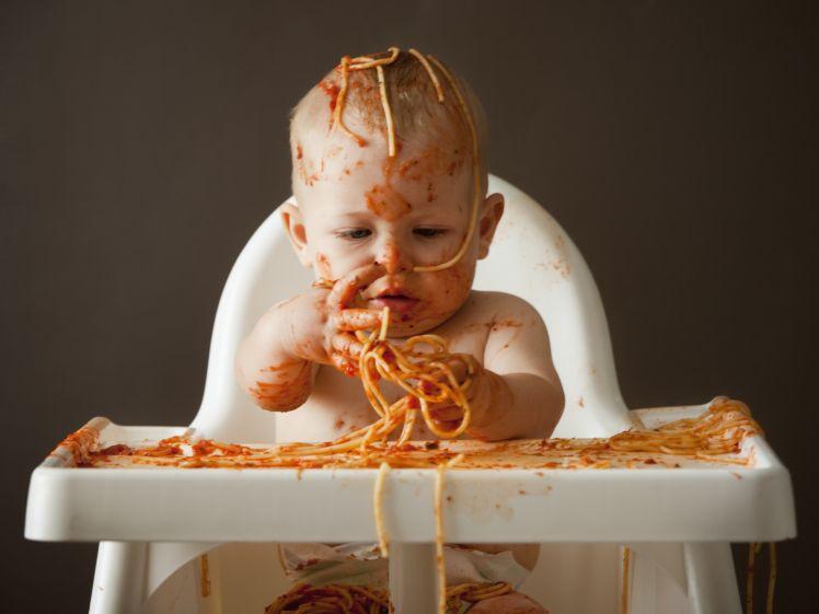 5. Ciptakan suasana makan menyenangkan