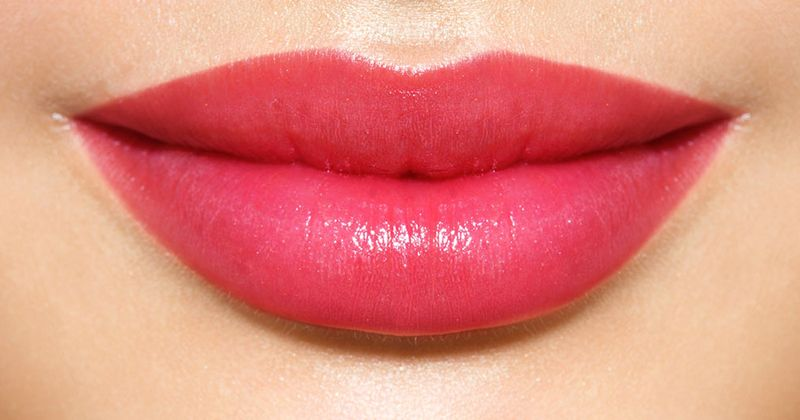 4. Merias bibir