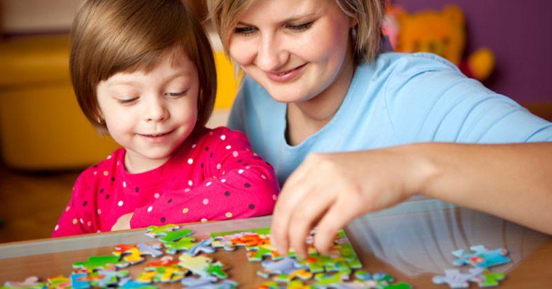 4. Ikut bermain bersama anak