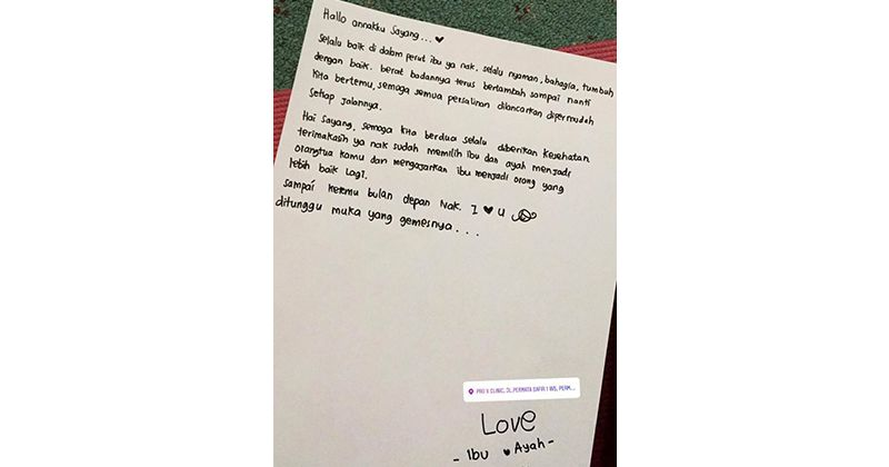 5. Menuliskan surat Si Kecil