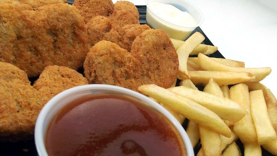 3. Kentang goreng nugget ayam