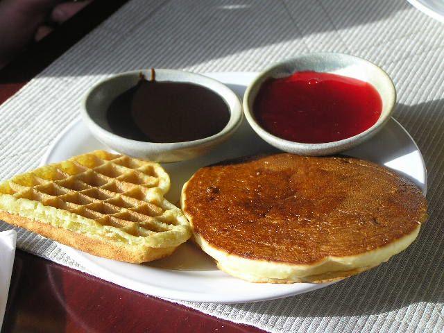 4. Pancake berbagai rasa