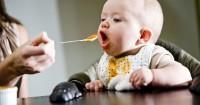 Tips Hindari Tersedak Bayi Sedang Belajar Makan