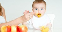 8 Makanan Ini Sebaik Tidak Diberikan Bayi Bawah 12 Bulan