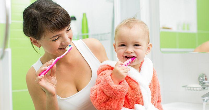 3. Tunjukkan bagian gigi mana perlu digosok