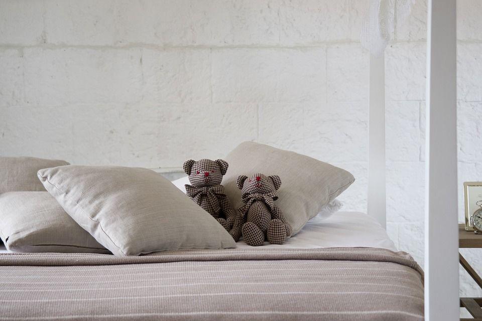 5. Merapihkan ranjang segera setelah bangun tidur