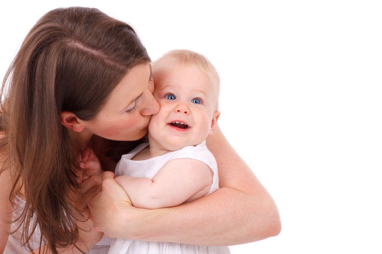 1. Meniup tubuh bayi