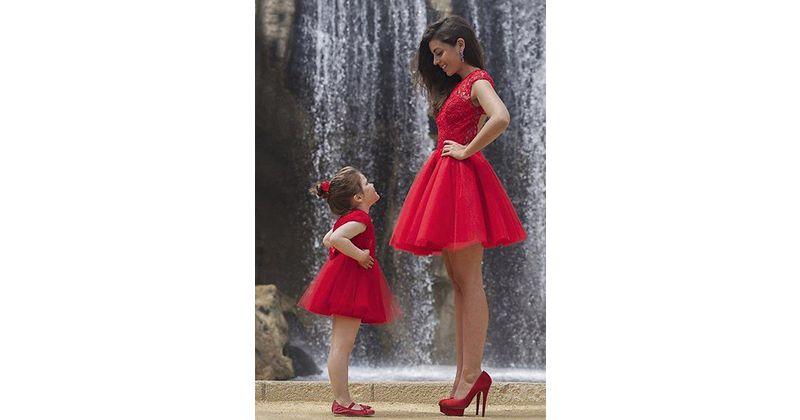 Selera berpakaian Mama anak perempuan sering kali sama