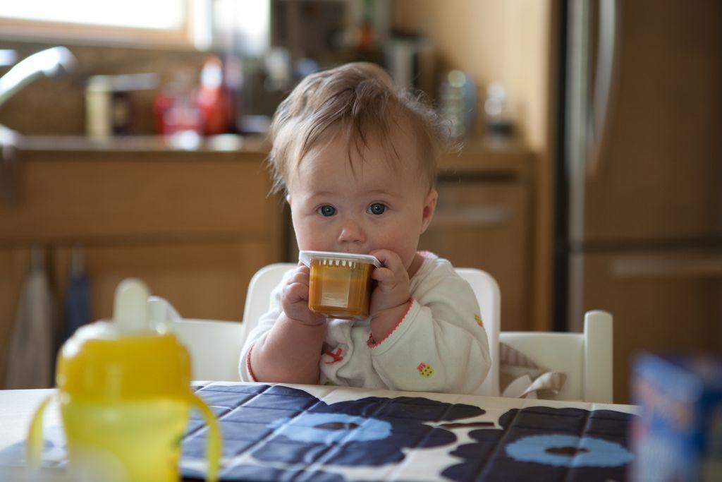 Kapan Bayi Siap Makan Sendiri