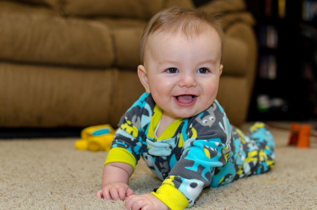 Begini Proses Bayi Bisa Tengkurap, Butuh 5 Bulan Belajar,