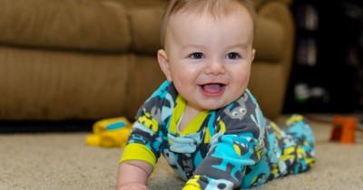 Begini Proses Bayi Bisa Tengkurap, Butuh 5 Bulan Belajar, Lho!
