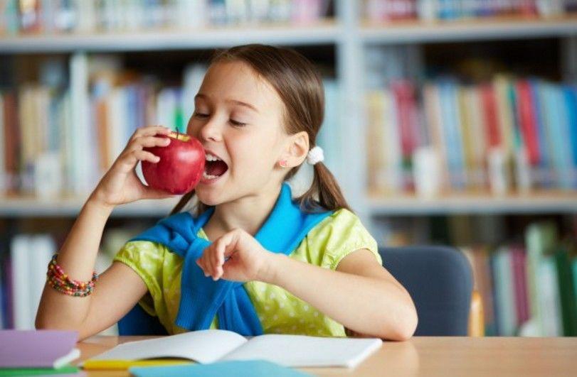 Wajid Dicoba 7 Cara Jitu Mengatasi Anak Susah Makan Buah