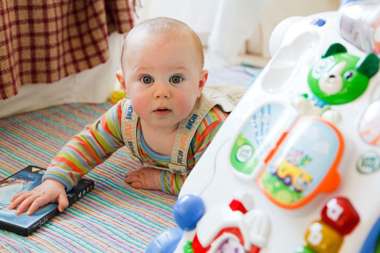 Mainan dan Permainan yang Cocok untuk Bayi 7-12 Bulan  29a5874423