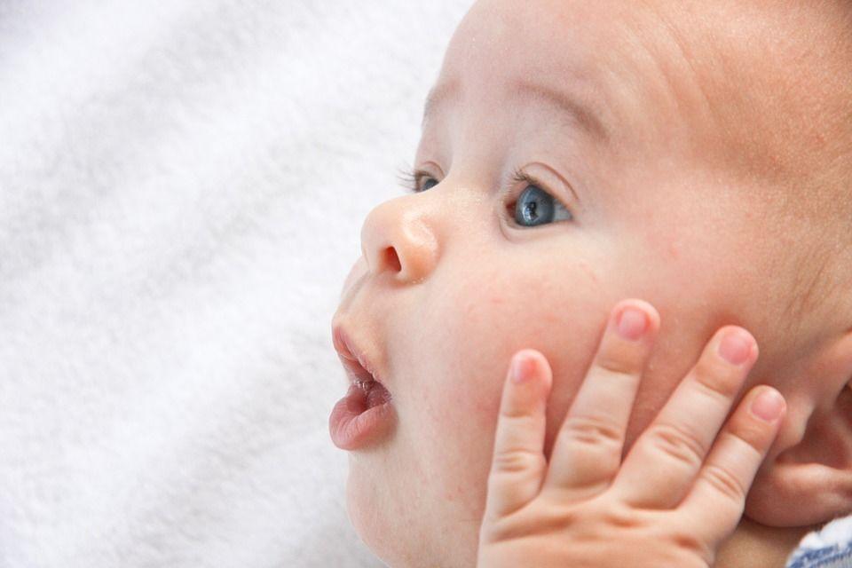Fakta 5 Sunat usia bayi lebih rendah risiko