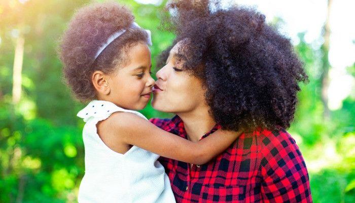 7 Rencana Membesarkan si Kecil Harus Disiapkan Orangtua Tunggal