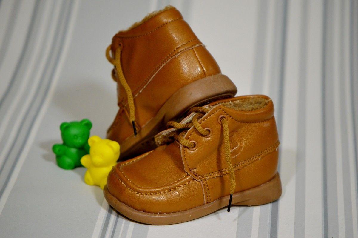 Perlukah Bayi Pakai Sepatu