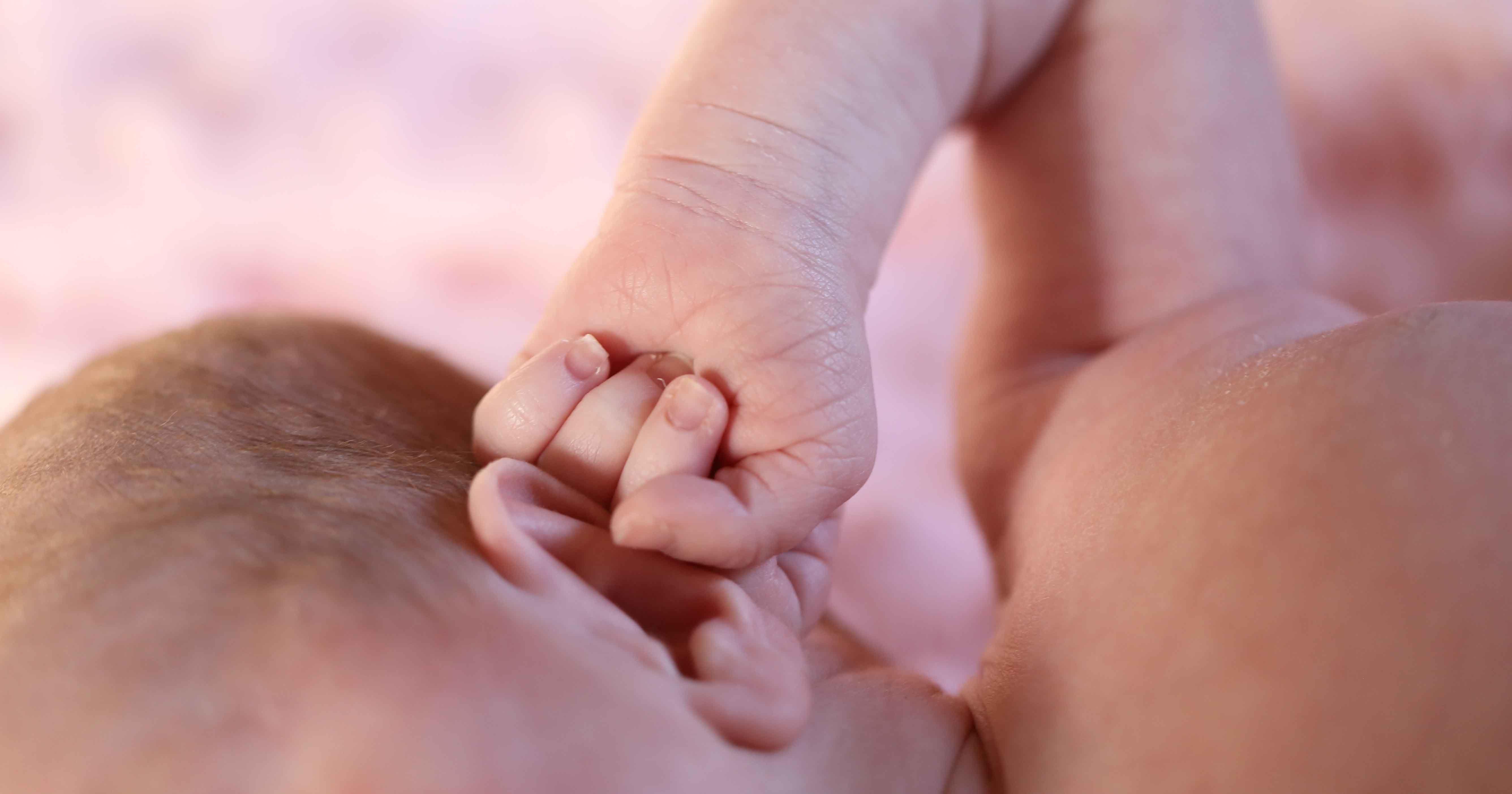 Penting Tes Fungsi Pendengaran Bayi Baru Lahir