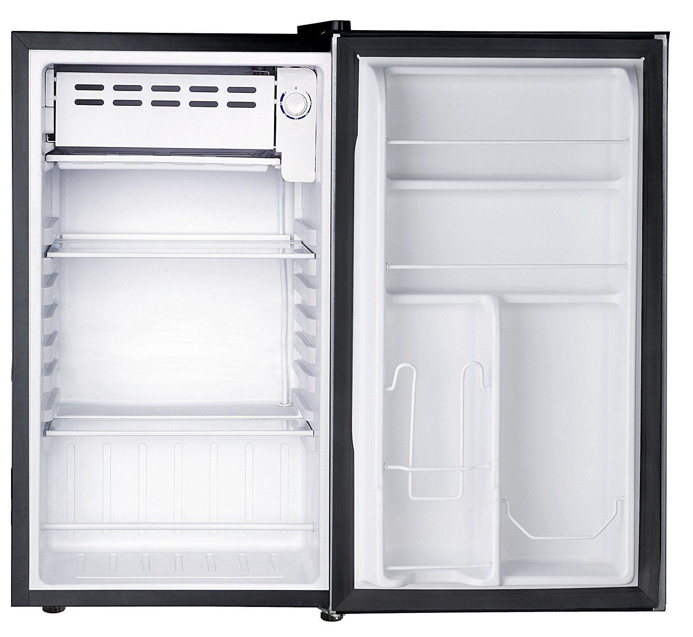 3. dalam bagian freezer, kulkas satu pintu