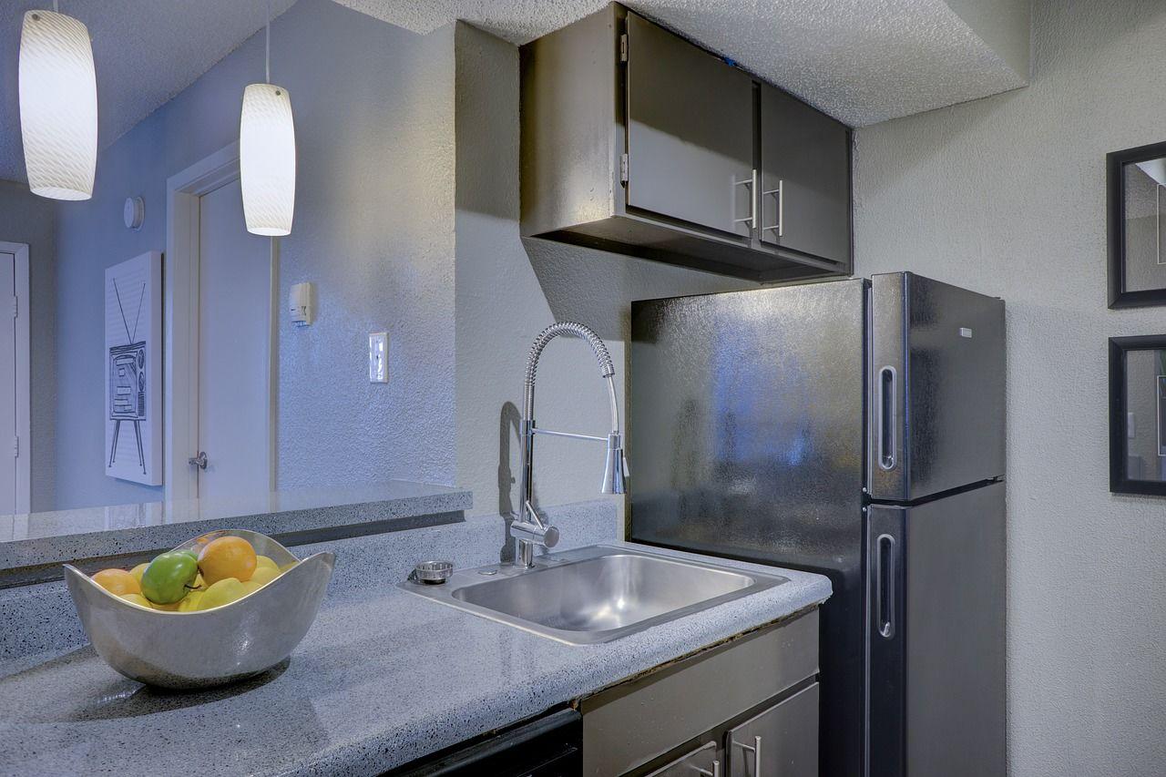 4. bagian khusus freezer kulkas dua pintu