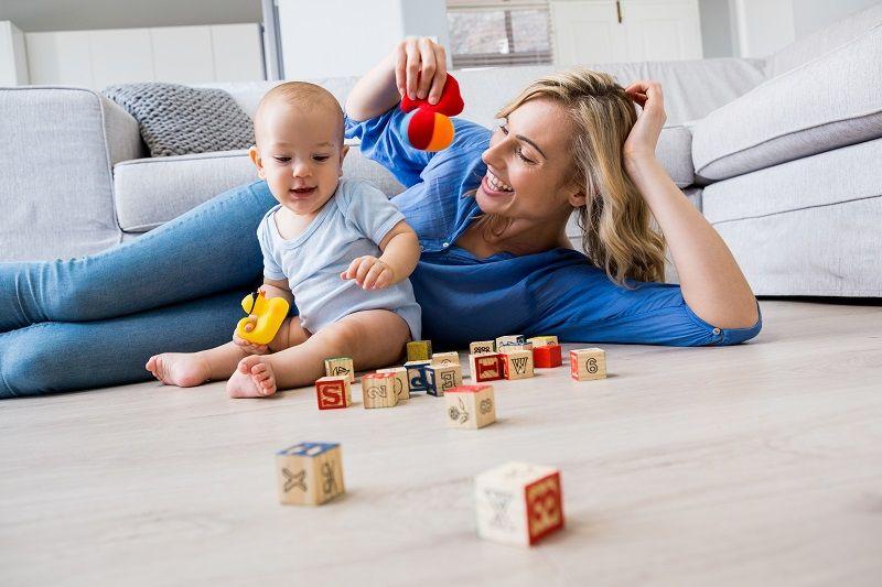 5 Hal ini Paling Menarik Perhatian Bayi Pertama Kali, Ma