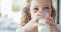 Ma, Yuk Jadikan 6 Minuman Sehat Ini Sebagai Penambah Gizi Anak