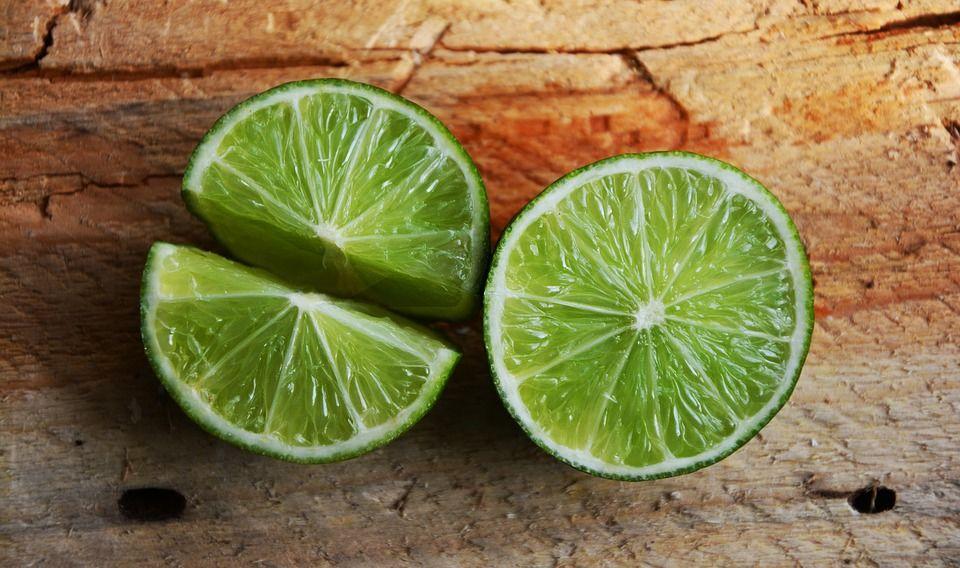 4. Menggunakan jeruk nipis